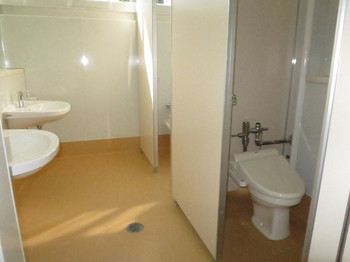 Ni0331 キャディーさん用のトイレも、改装しています。 (改装前)  福岡干隈けんちく日記